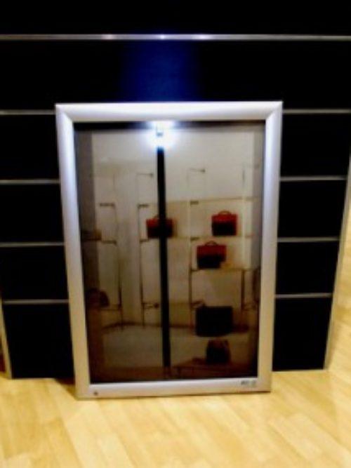 Aluminijumska svetleća tabla A1